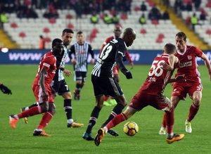 Usta kalemler Sivasspor-Beşiktaş maçını yazdılar