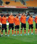 Başakşehir'in yıldızı Fenerbahçe maçında yok!
