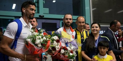 Milli atletler Guliyev ve Escobar Ankara'da