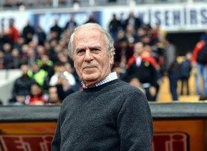 Mustafa Denizli'den futbol gündemine dair çarpıcı açıklamalar
