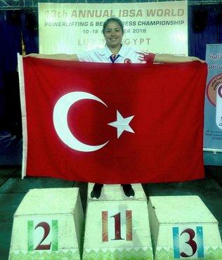 Görme engelli Milli sporcu Nur Sultan Uzuğ dünya rekoru kırdı