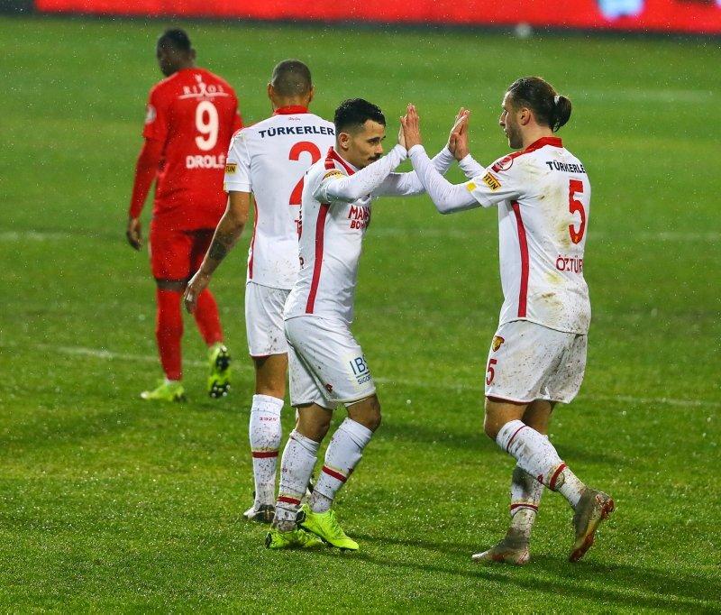 Göztepe - Antalyaspor maçından kareler...