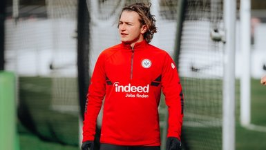 Bursaspor'dan ayrılan Ali Akman Eintracht Frankfurt ile ilk idmanına çıktı