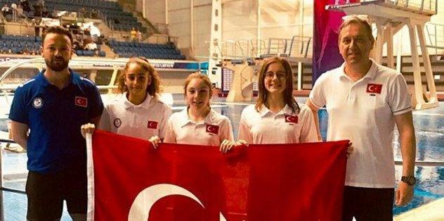 Yüzme atlama branşında Türkiye adına bir ilk yaşandı
