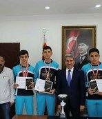 Sarı Türkiye şampiyonlarını ağırladı