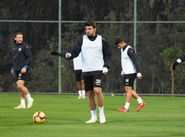 Ozan Tufan Fenerbahçe'de yaşadıklarını anlattı!