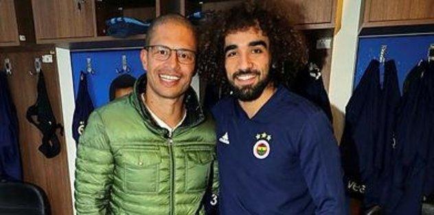 Alex de Souza Fenerbahçe'de idari, teknik heyet ve futbolcularla bir araya geldi
