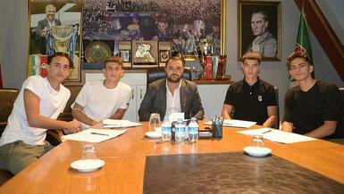 Son dakika spor haberi: Bursaspor 4 altyapı futbolcusuna profesyonel imza attırdı