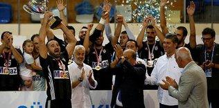 Beşiktaş Mogaz kupasını aldı