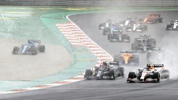 Formula 1 Türkiye Grand Prix'i nefes kesti! İşte İstanbul'daki yarıştan kareler