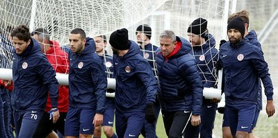 Antalyaspor'da Akhisarspor mesaisi