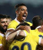Fenerbahçe'de yeniler taraftara emanet