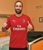 Gonzalo Higuain, resmen Milan'da