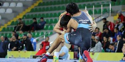 Grekoromen Güreş Şampiyonası başladı