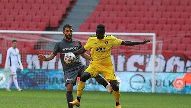 İstanbulspor Samsunspor'u 3 golle geçti!