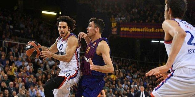 Efes Barcelona'da Dörtlü Final peşinde