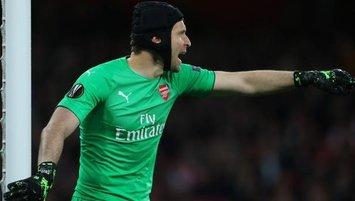 Petr Cech sahalara hokeyle geri döndü!