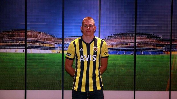 Attila Szalai Fenerbahçe'nin ikinci Macar oyuncusu oldu #