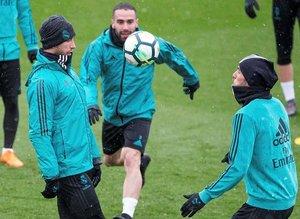Zinedine Zidane 8 oyuncunun biletini kesti