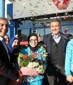 Avrupa Şampiyonu genç  bayan karateciye coşkulu karşılama