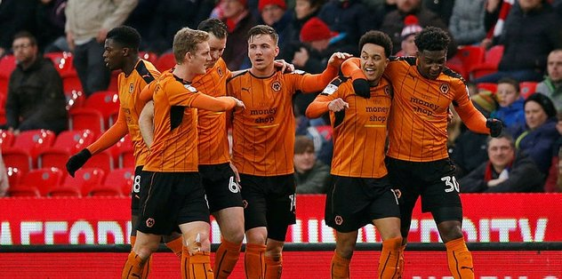 Wolverhampton, Premier Lig'e göz kırpıyor