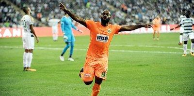 Beşiktaş ve G.Saray istiyordu: O kulüp devreye girdi...
