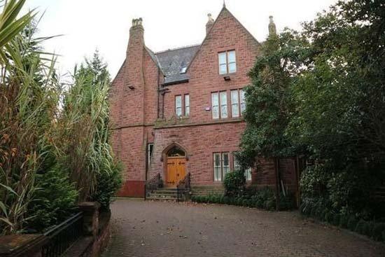İşte Cenk Tosun'un İngiltere'deki yeni evi