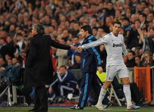 Avrupa'yı futbolunu sallayan iddia! Ronaldo ve Mourinho...
