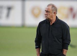 Galatasaray yıldız futbolcunun transferinden vazgeçti