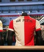 Van Persie formaları satışa çıktı