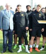 Başkan Kurt'tan Eskişehirspor'a ziyareti