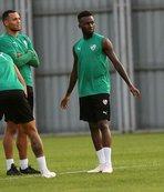 Bursaspor'un yeni transferi ilk antrenmanına çıktı