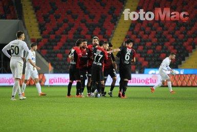 Süper Lig'de şampiyonluk oranları güncellendi! Beşiktaş, Trabzonspor, Galatasaray ve Fenerbahçe...
