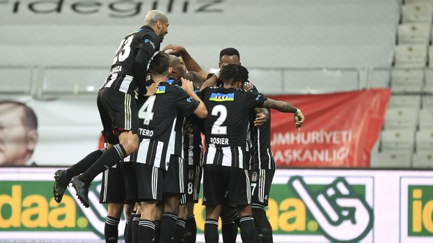 Great praise from the master writer to the 2 stars of Beşiktaş!  #