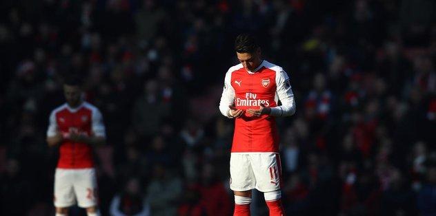 Son dakika: Mesut Özil'den Kızılay'a anlamlı bağış - Futbol -