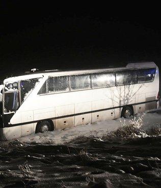 Sivasspor'un genç takımlarını taşıyan otobüs şarampole indi