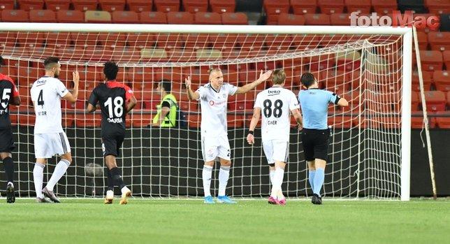 Gazişehir-Beşiktaş maçından kareler