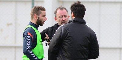 Konyaspor'da Galatasaray mesaisi sürüyor