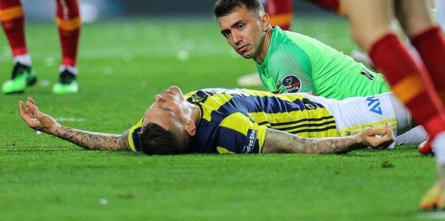 Fenerbahçeli Skrtel'in yardımına Galatasaray'ın doktorları koştu