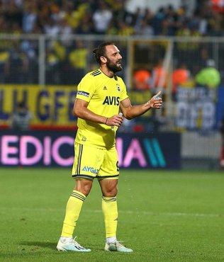 Fenerbahçe'de Vedat Muriç'in kırmızı kartı olay oldu!