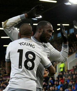 Manchester United 3 puanı tek golle aldı