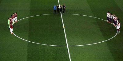 UEFA'dan Sala için saygı duruşu