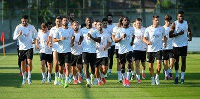 Galatasaray, çalışmalarını sürdürüyor