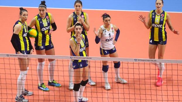 Fenerbahçe Kadın Voleybol Takımı'nda corona virüsü şoku #