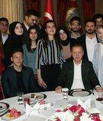 Başkan Erdoğan'ın iftar yemeğine Mesut Özil de katıldı