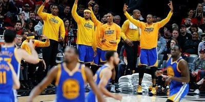 Warriors tur atladı