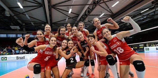 İsviçrenin Montrö şehrinde organize edilen Montreux Volley Masters Turnuvasında mücadele eden A Bayan Milli Takımımız, üçüncülük maçında Dünya devi Brezilyayı...