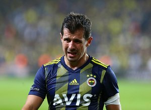 Emre Belözoğlu o ismi gözüne kestirdi! Fenerbahçe'ye genç kule