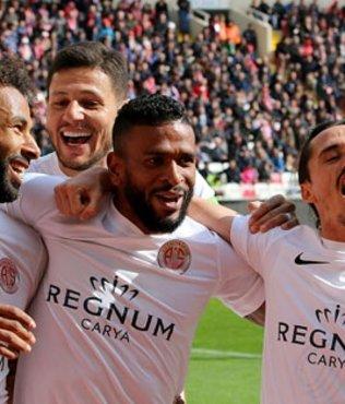 Demir Grup Sivasspor'a evinde Antalyaspor şoku