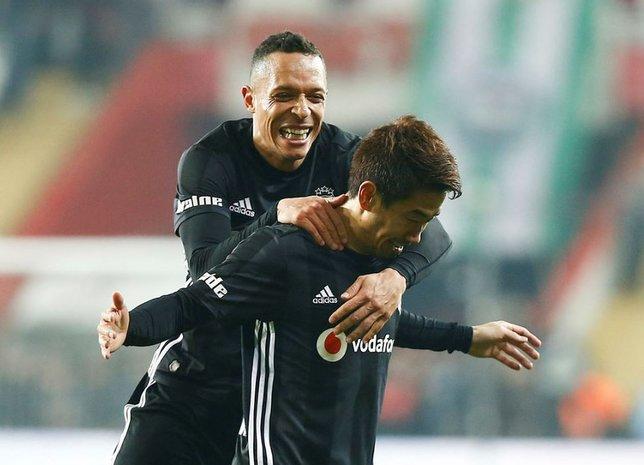 Beşiktaş'ta Kagawa yıktı, geçti! Tolgay Arslan...